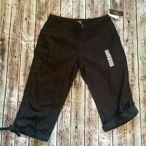 NWT Calvin Klein Capri pants black new